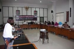 Dinas Perindustrian dan Perdagangan Kota Medan, Sumut Dorong Para Pengrajin Batik Meningkatkan Kualitas Produknya_foto