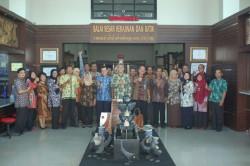 Serah Terima Jabatan Eselon III & IV di Lingkungan Balai Besar Kerajinan dan Batik Yogyakarta_foto