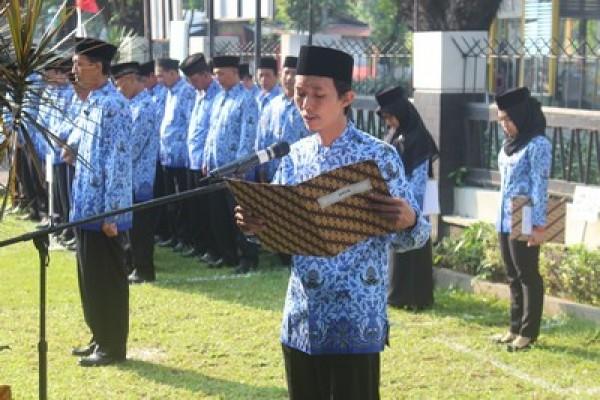 Upacara Peringatan Hari Ulang Tahun Kemerdekaan RI ke71 di Balai Besar Kerajinan dan Batik Yogyakarta_foto