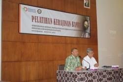 Pembukaan Pelatihan Kerajinan Bambu dari Diskoperindag  Kabupaten Bondowoso di Balai Besar Kerajinan dan Batik Yogyakarta_foto