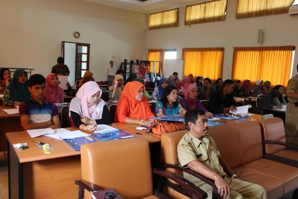 Pembukaan Pelatihan Kertas Seni dan Anyaman Mendong Kerjasama Disperindag & ESDM Kabupaten Jember dengan BBKB Yogyakarta_foto