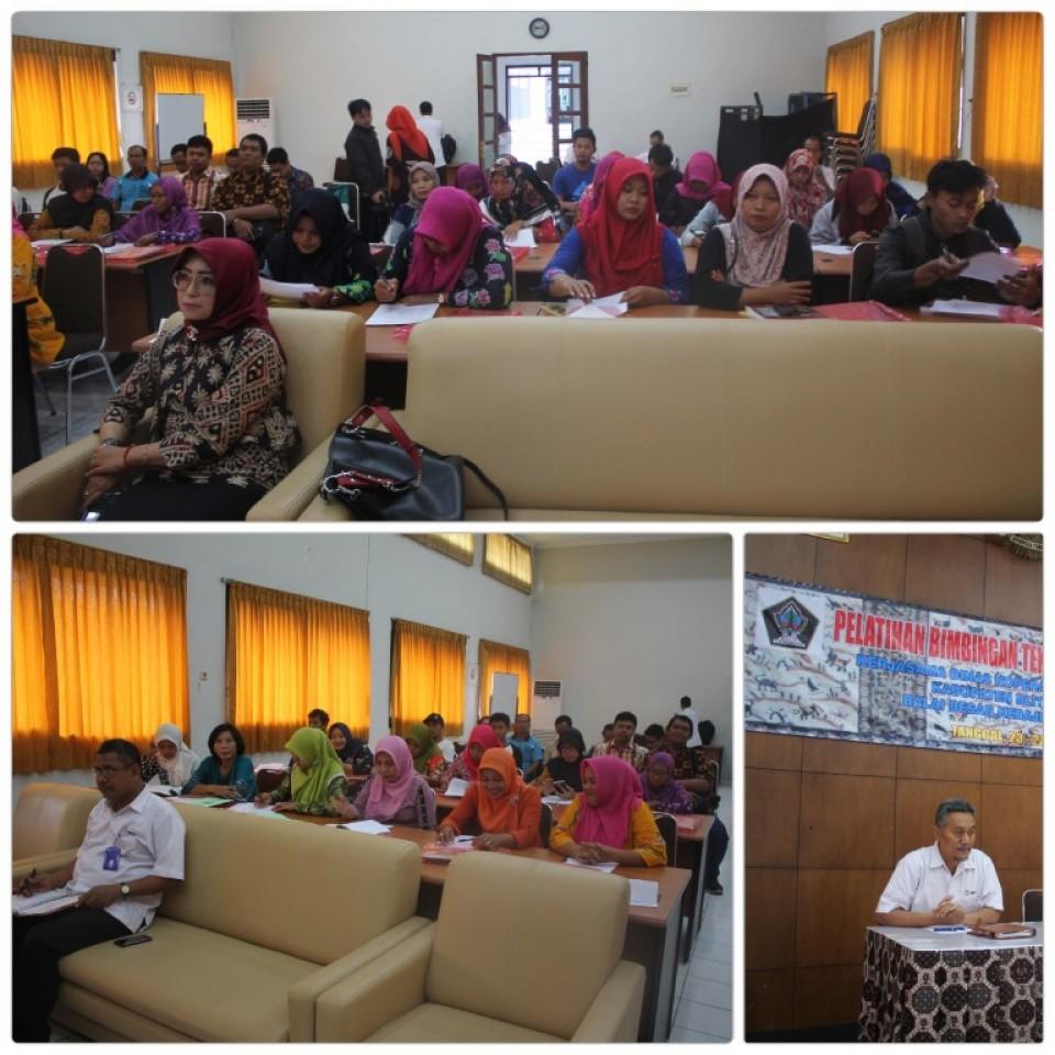 Tingkatkan Kualitas Batik, Diskop dan Usaha Mikro Kabupaten Blitar Kirim Pengrajin Batik ke   BBKB Yogyakarta_foto
