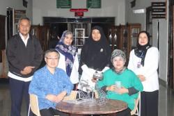 Riset Kain Bemberg Untuk Batik, Warga Jepang Jalin Kerjasama BBKB _foto