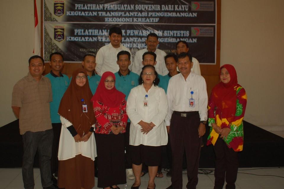 Ingin Meningkatkan Kreatifitas dan Inovasi Produk, Diskop, UMKM dan Perindustrian Kota Metro, Lampung Mengirim Pengrajin ke BBKB Yogyakarta_foto