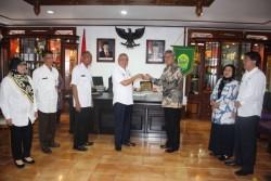 Kerjasama Diskoperindag Kab. Bondobowo dengan BBKB Dalam Pelatihan Batik Zat Warna Sintetis (18/5)_foto