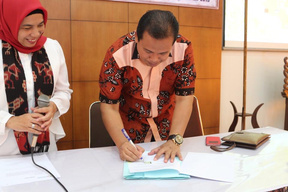 Tingkatkan Kualitas Batik, Dinas Koperasi, UKM dan Perdagangan Kota Bontang, Kaltim Kirim Peserta Berlatih Membatik_foto