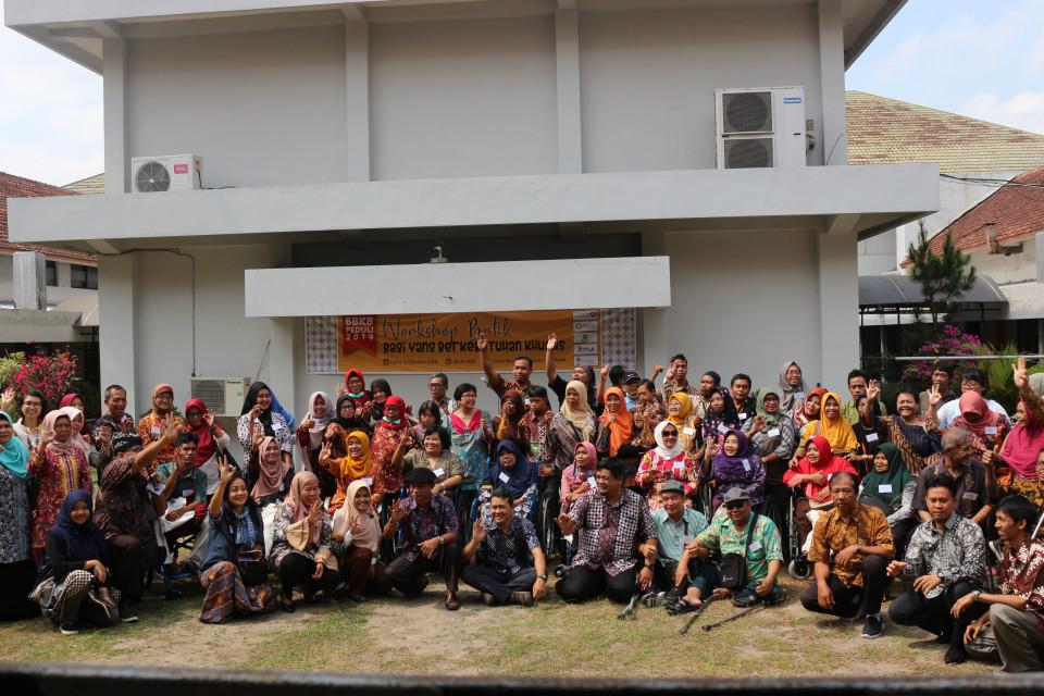 Workshop Batik Bagi Yang Berkebutuhan Khusus - Peringatan Hari Batik Nasional 2019_foto